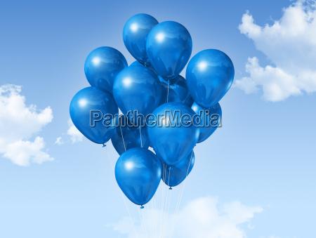 blaue luftballons auf einem blauen himmel
