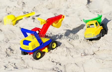 spielzeug am sand strand toys