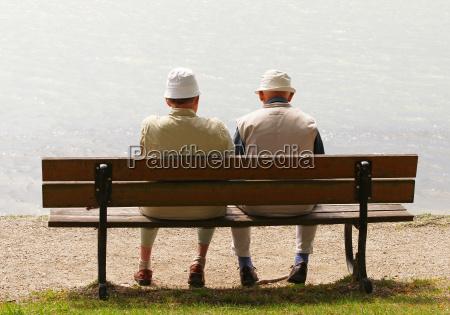 2 senioren am see 2