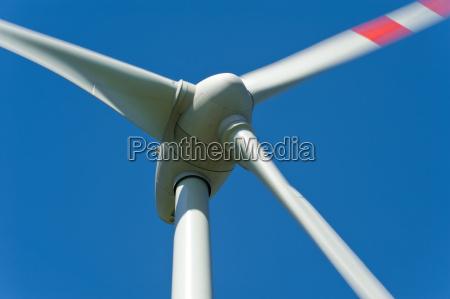 windkraftrad against blue background
