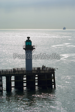 leuchtturm und strand von calais