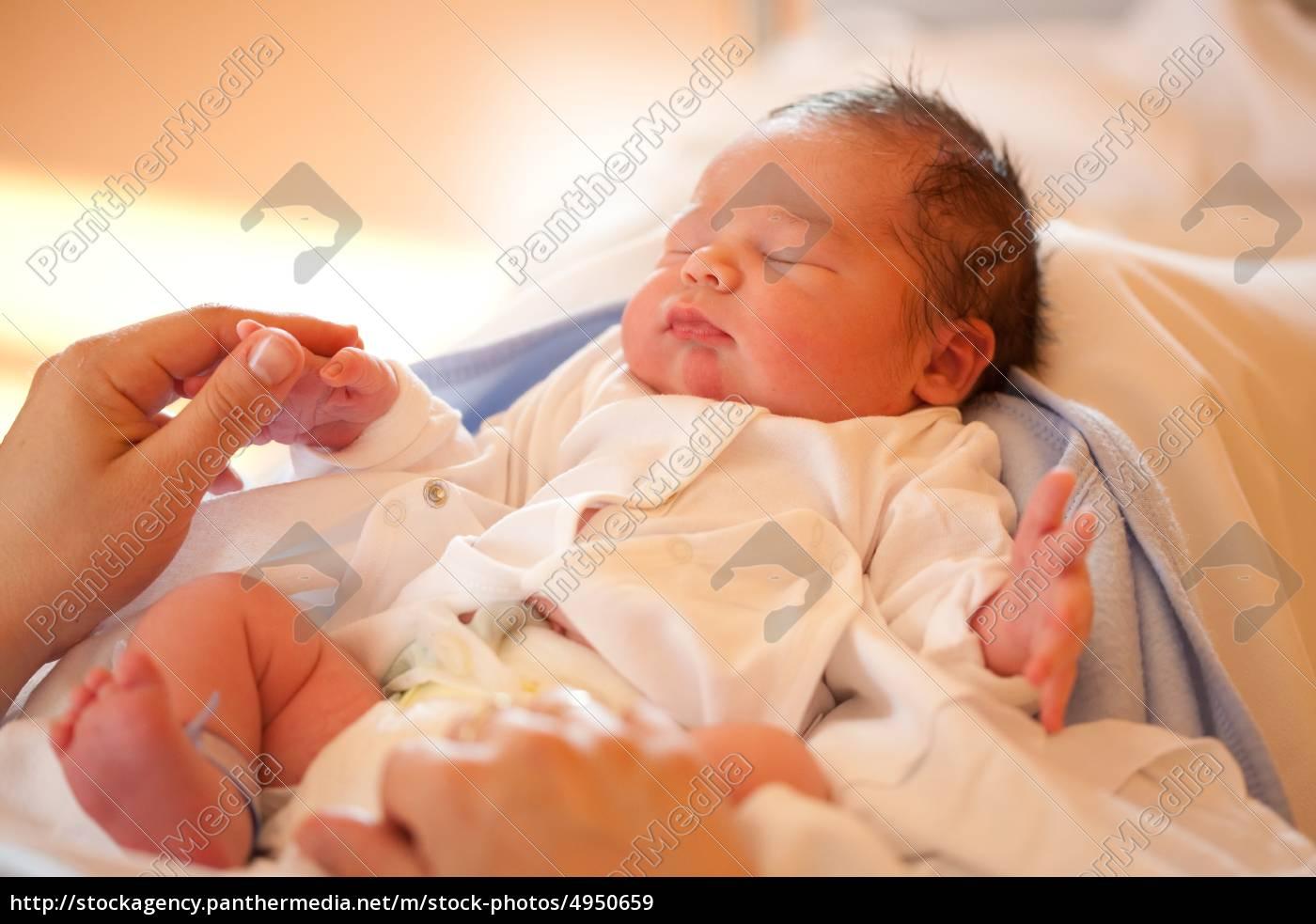 Lizenzfreies Bild 4950659 Neugeborenes Baby
