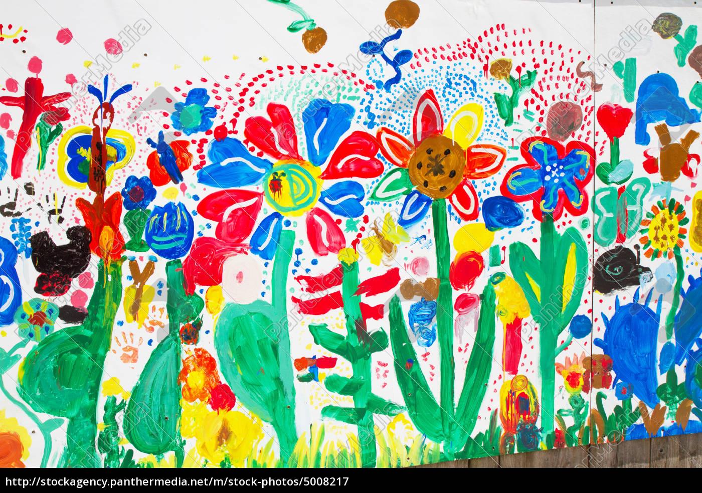 von kindern bemalte wand - lizenzfreies bild - #5008217