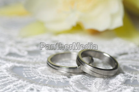 wedding rings in a romantic ambiance