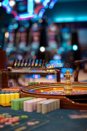 roulette radtisch mit chips pfaehlen
