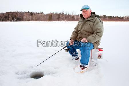eis angeln auf dem see