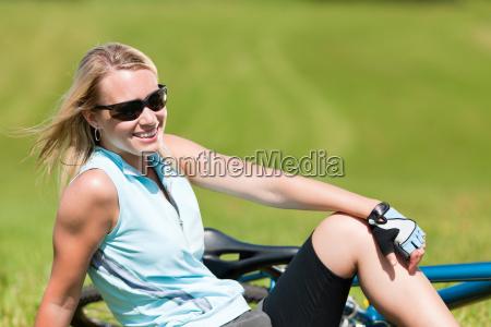frau sport sommer sommerlich fahrrad fahrad