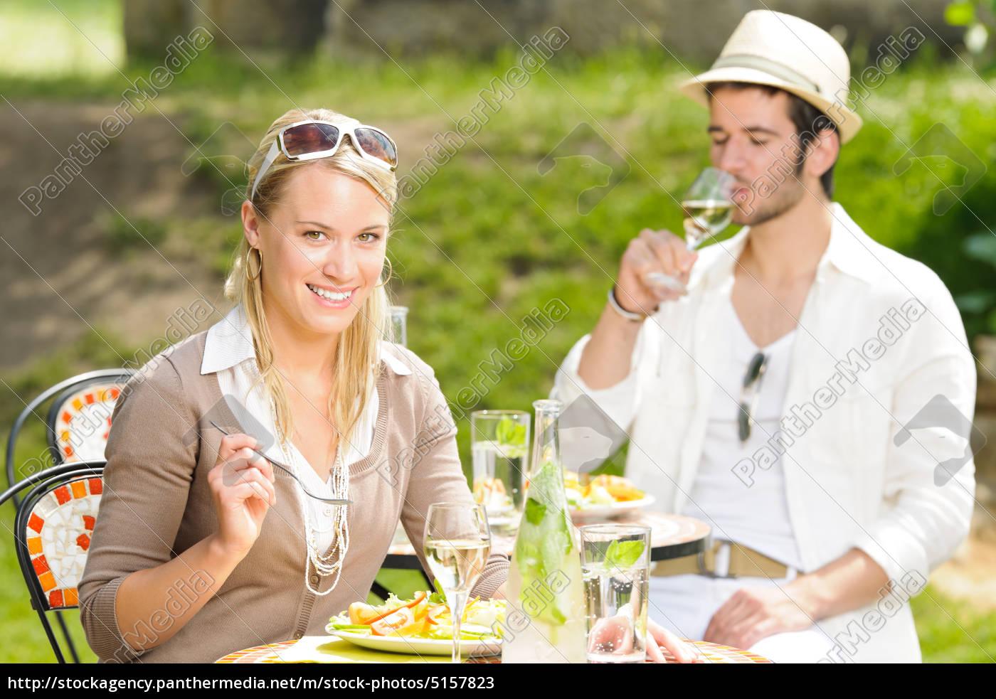 Terrasse Sonnigen Restaurant Italienische Junge Paar Lizenzfreies