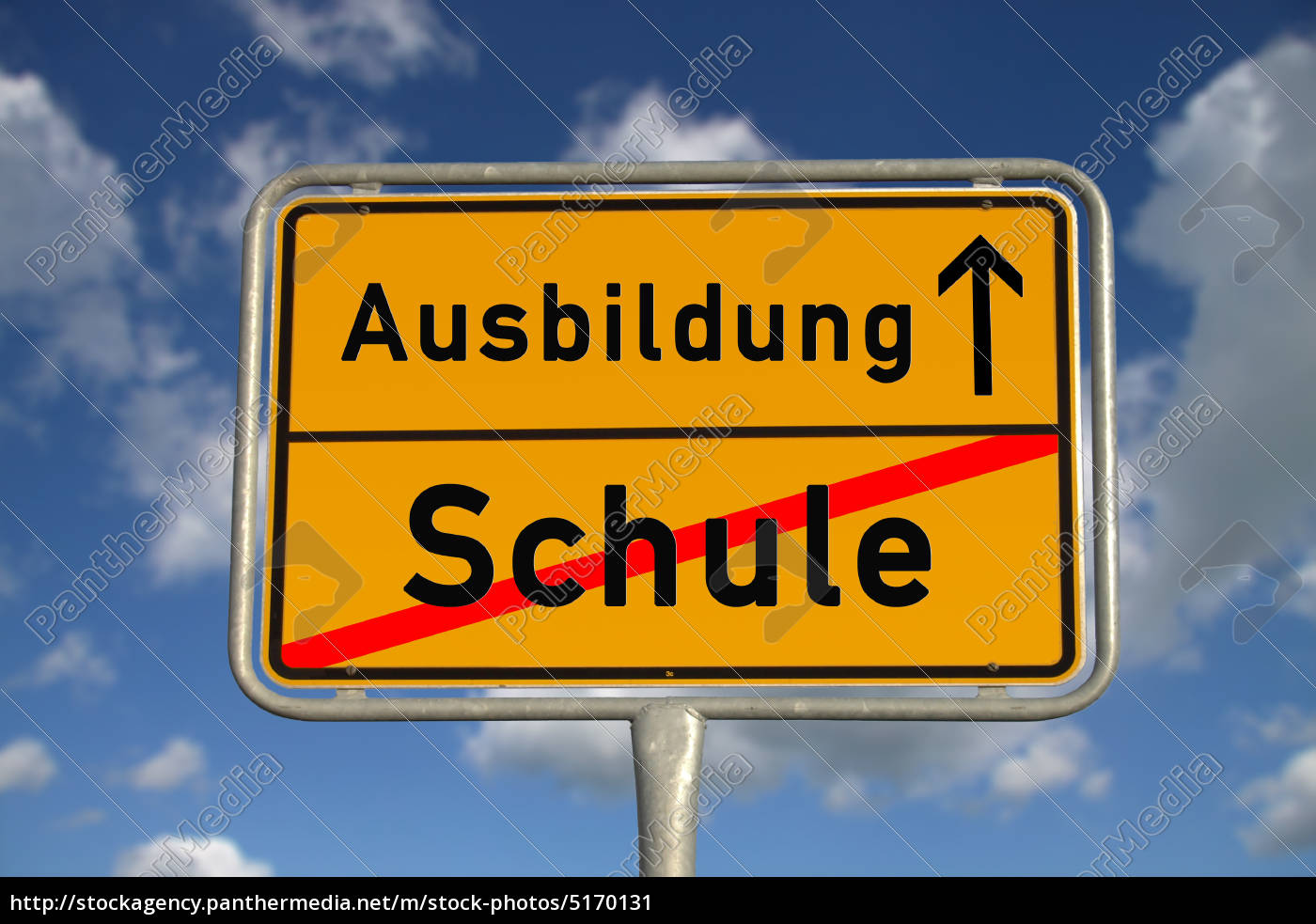 deutsches, ortsschild, schule, ausbildung - 5170131