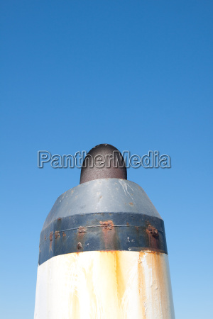 ship chimney without exhaust fumes