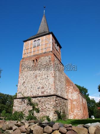 kirche in sietow mueritzsee