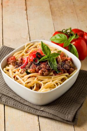 essen nahrungsmittel lebensmittel nahrung bratwurst spagetti