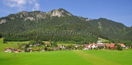 ettal mit seinem kloster nahe oberammergau