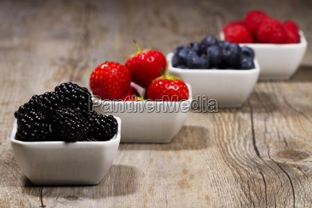 berries blackberries bowl in front of