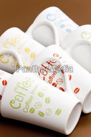 stillleben von leeren kaffeetassen