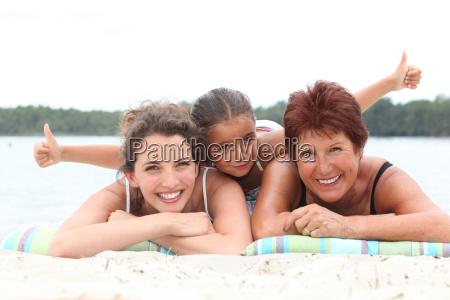 drei generationen grossmutter mutter und