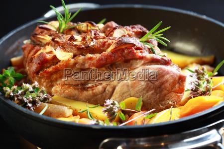 grillfleisch mit gemuese