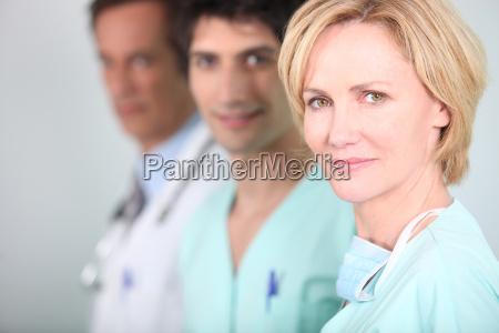 mitarbeiter in einem krankenhaus