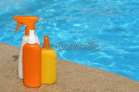 flaschen sonnenschutzcreme oder lotion fuer den