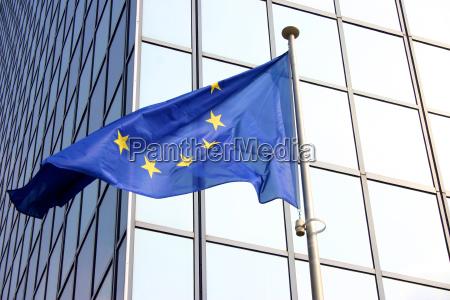 europaflagge in brussels