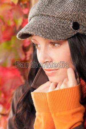 herbstportrait nette weibliche modell gesicht close