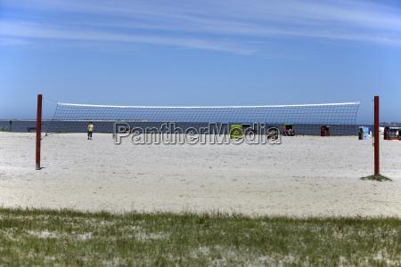 beachvolleyballnetz am strand beach volleyball