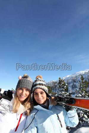 portrait of best friends at ski