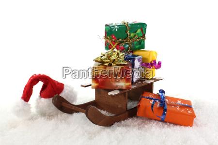 schlitten und geschenke