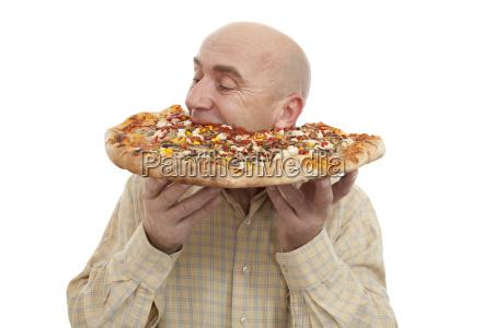 mann essen pizza