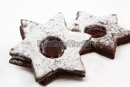schokoladensterne mit fuellung und puderzucker