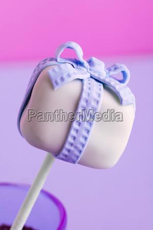 one cake pop
