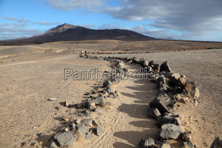 hiking trail on canary island lanzarote