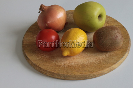 five items of fruit and vegetables