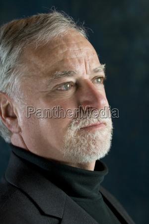 portraet eines reifen mannes