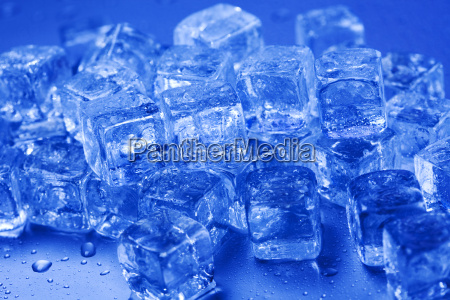 ice and cubes