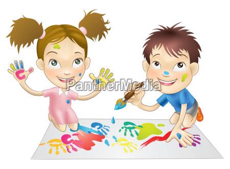zwei junge kinderdie mit lacken