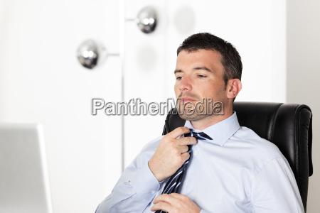 nachstellen krawatte