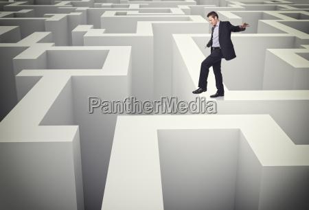 walk on maze