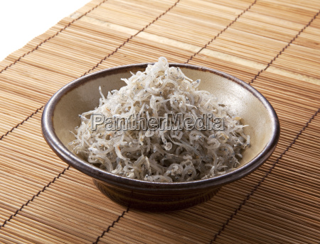 japanese cuisine dried small white