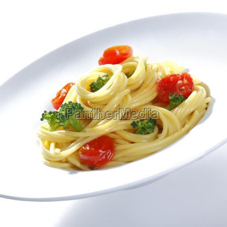 spagetti broccoli mit parmesan