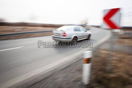 verkehr verkehrswesen drehen auto automobil personenkraftwagen