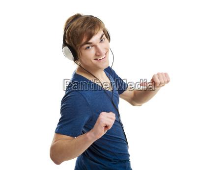 hoeren musik mit kopfhoerer