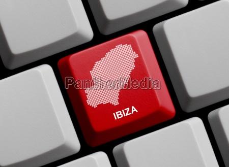 ibiza umriss auf tastatur