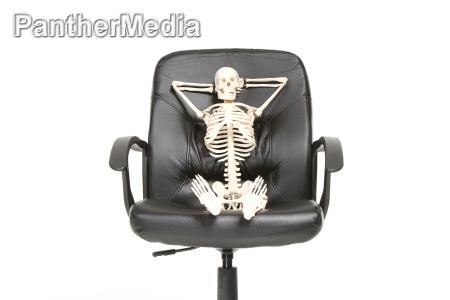 skelett entspannt