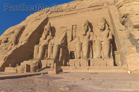 abu simbel tempel von koenig ramses