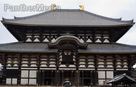 todai ji temple in nara japan