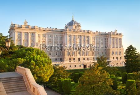 madrid palacio de oriente denkmal