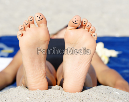 lachende fuesse smiling feet