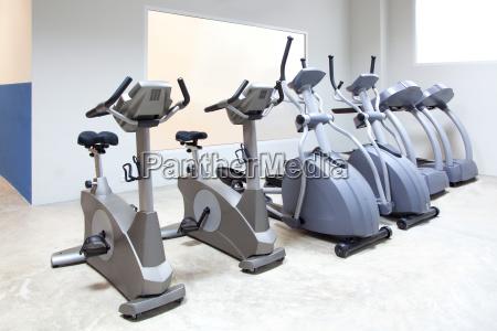 crosstrainer laufband stationaeren fahrrad