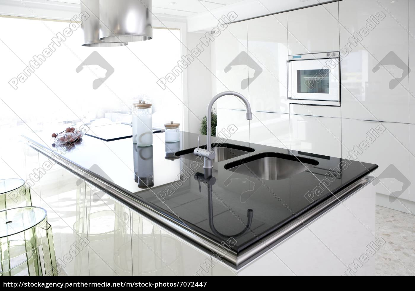 moderne weiße küche sauber innenarchitektur - Lizenzfreies Bild ...